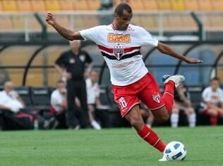Rivaldo teve passagem apagada pelo São Paulo em 2011