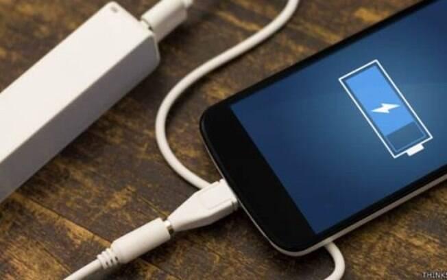 Reduzir o tempo de bloqueio da tela e desligar bluetooth são algumas das dicas para fazer a bateria render