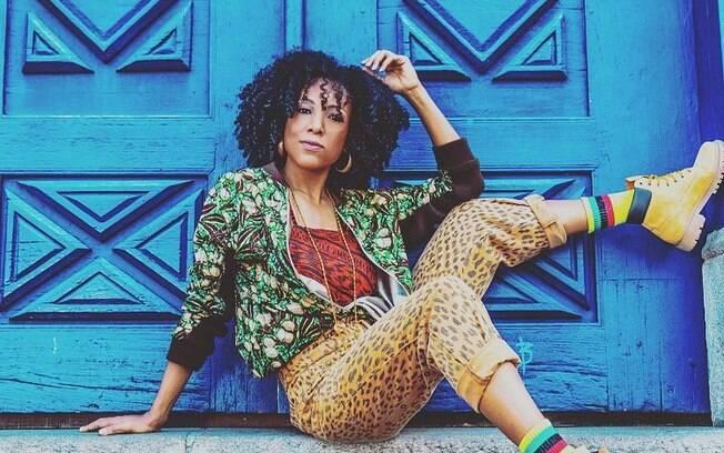 Negra Li relembra parceira com Charlie Bronw Jr, algo que a ajudou a se projetar fora da cena do rap