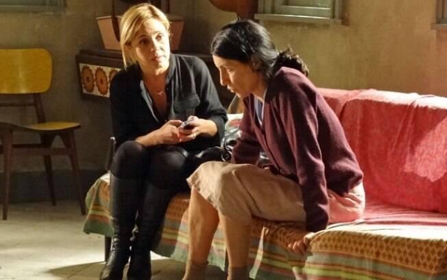 Dulce foge do hospital e encontra Júlia
