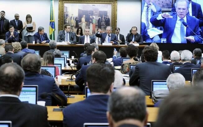 Paulo Guedes e Zeca Dirceu discutiram em sessão da CCJ da Câmara
