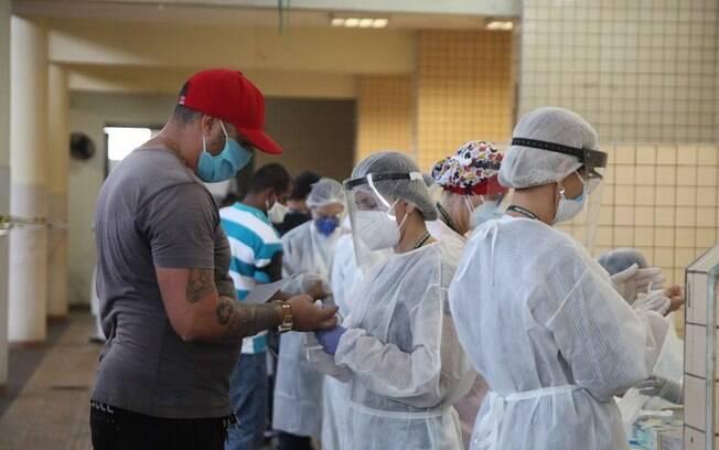 1.175 pessoas testaram positivo ao novo coronavírus (7,7% do total).