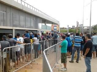 Torcedores compareceram em bom número também no Mineirão para comprar ingressos