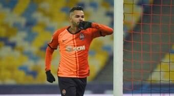 Corinthians nega interesse no atacante Dentinho; veja os motivos