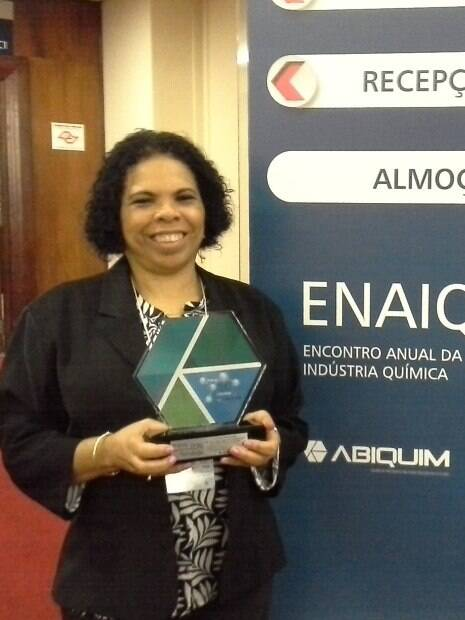 Denise Alves Fungaro, química premiada sete vezes por suas pesquisas