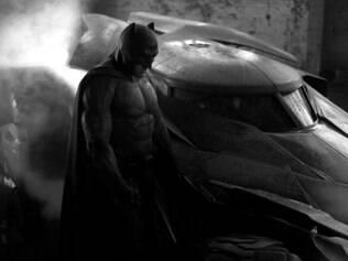Zack Snyder divulga a primeira foto de como será o novo visual do Homem-Morcego
