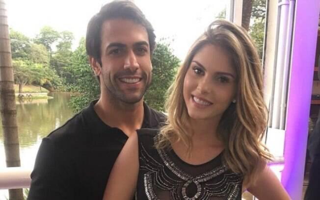 A modelo Bárbara Evans e o campeão de laço Gustavo Theodoro estão juntos novamente, depois do término em julho