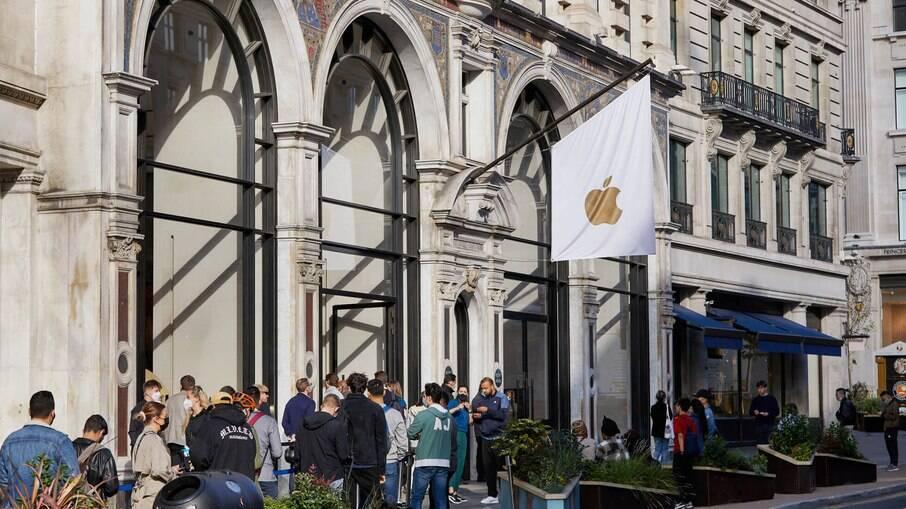 Início das vendas do iPhone 13 em Londres