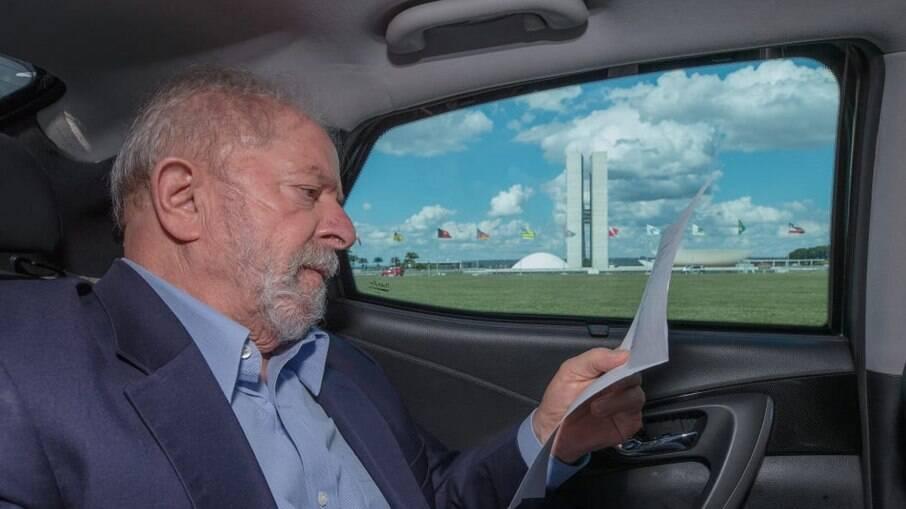 Lula tenta desfazer mal-estar em Pernambuco e diz contar com o PSB nas eleições