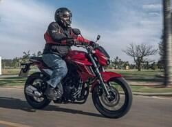 Já experimentamos a Yamaha Fazer FZ25 ABS da linha 2022