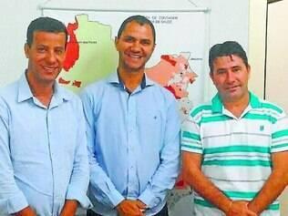 Em pauta.  Rodinei Ferreira e Alex Chiodi se reuniram com o secretário de Saúde Evandro José para falar sobre o programa Remédio Fácil