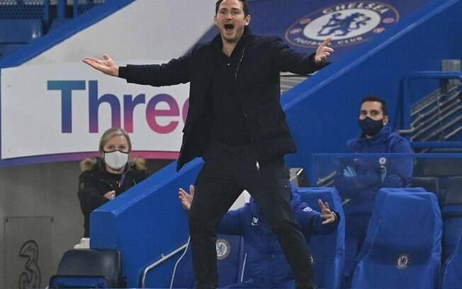 Frank Lampard revela casos de Covid-19 em membros do Chelsea