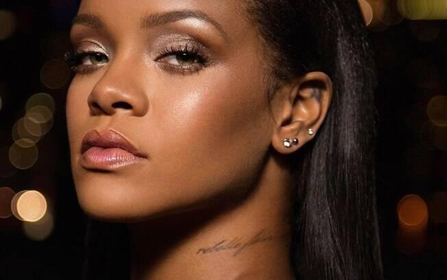 Rihanna é a primeira a ter cinco músico em primeiro lugar no ranking Dance Club da Billboard em um ano
