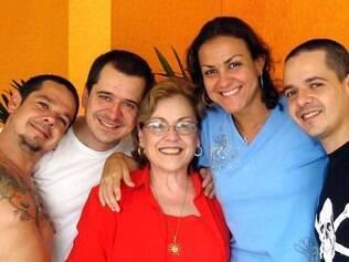 Em família: Bia e os quatro filhos reunidos no último Natal