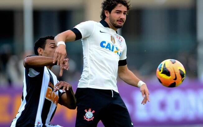 Alexandre Pato foi titular, mas pouco fez  pelo Corinthians diante do Atlético-MG