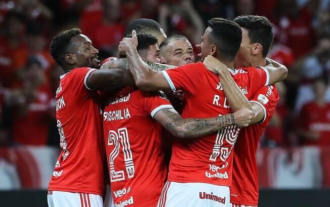 Inter vence Universidad de Chile e avança na Libertadores