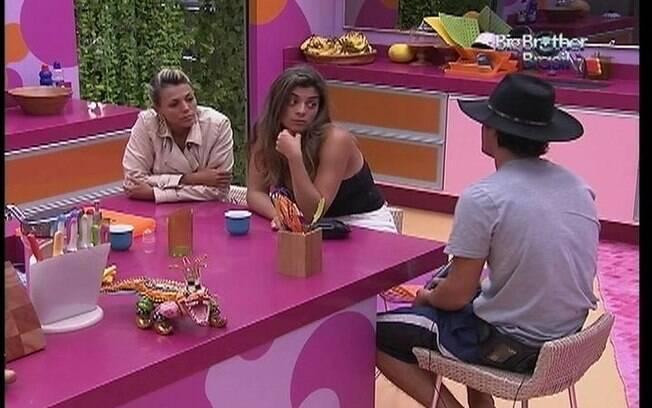 Fael fala sobre a liderança com Fabiana e Monique