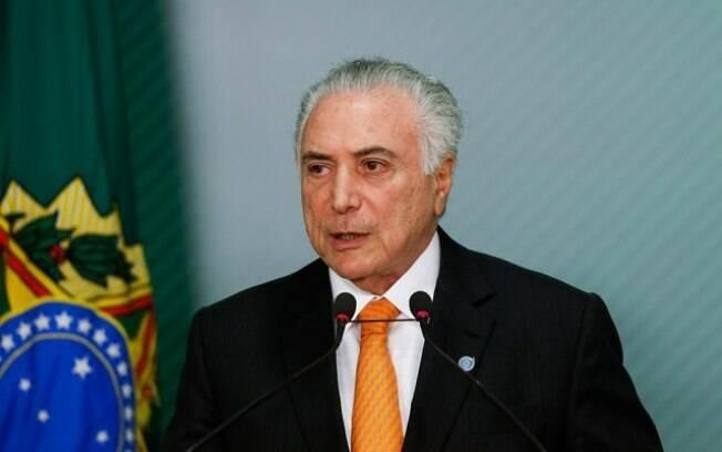 Temer chegou ao cargo de Presidente após ser eleito com os votos petistas e apoiado por lideranças da oposição após o impeachment de Dilma