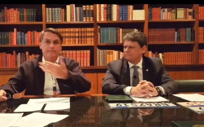 Vídeo de Bolsonaro ainda está disponível no Facebook