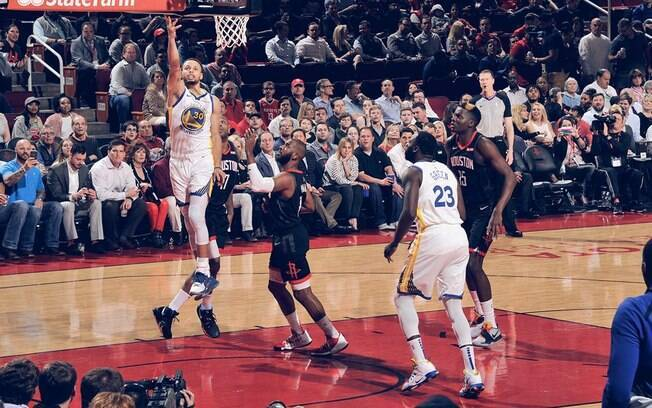 Duelo entre Warriors e Rockets fez jus ao título de partida mais importante da rodada da NBA desta quarta-feira