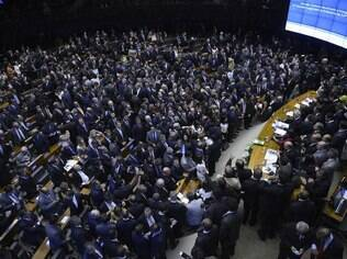 513 deputados tomaram posse na Câmara