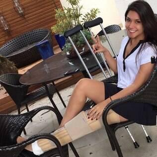 Thaís Fersoza mostra resultado de joelho operado
