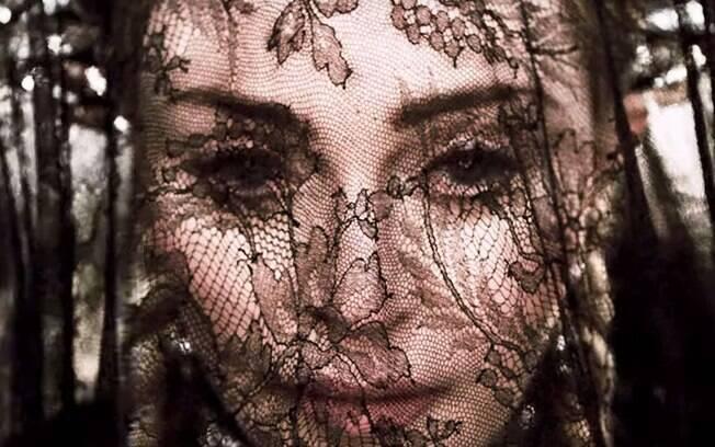 Madonna no clipe Dark Ballet
