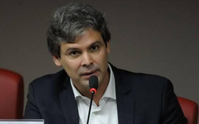 Farias irá sugerir a Dilma para que adiante suas declarações finais do impeachment
