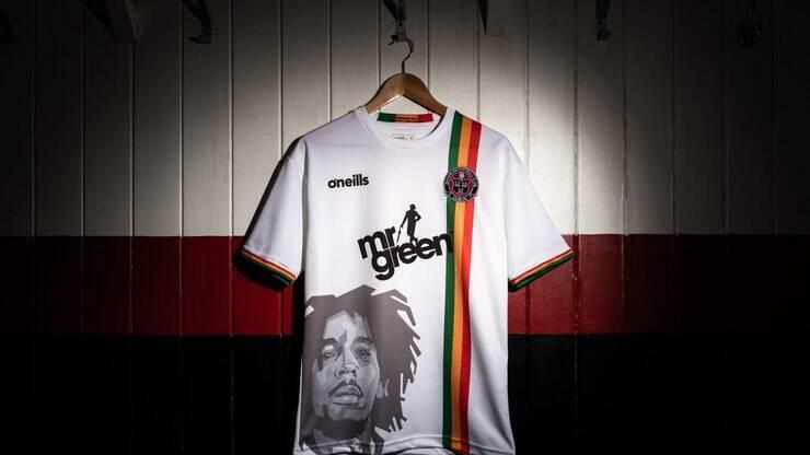 647a6e4f265c2 Homenagem a Bob Marley na camisa de time irlandês  entenda - Internacional  - iG