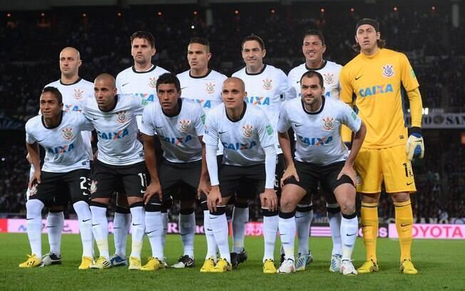Jogadores do Corinthians posam antes da final  do Mundial de Clubes, quando venceu o Chelsea por  1 a 0
