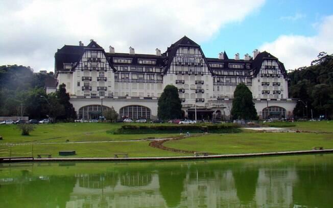 Palácio Quitandinha vale a visita em Petrópolis