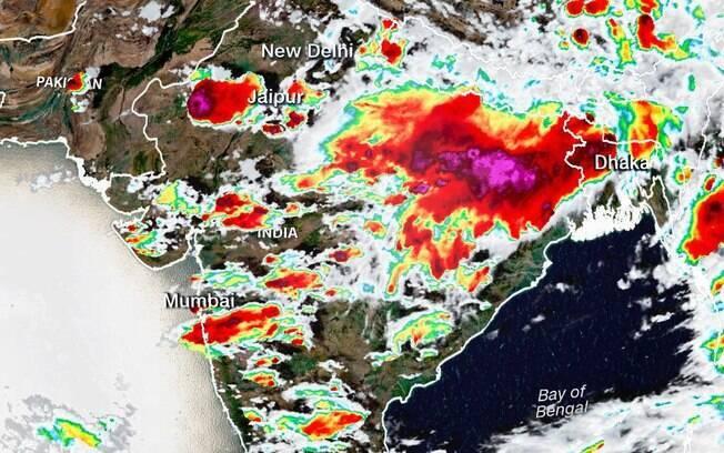 Mais de 100 pessoas foram mortas por raios na Índia e outras 32 ficaram feriadas