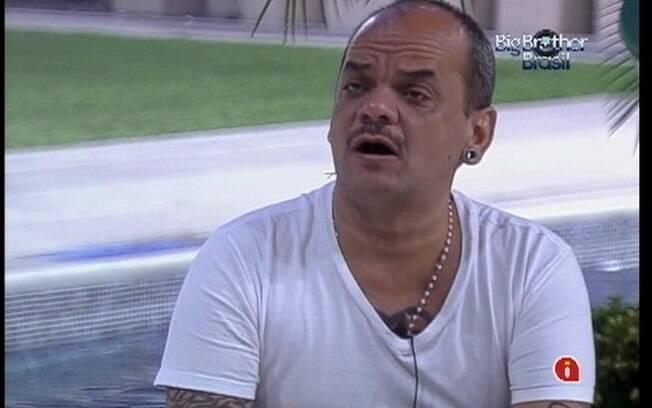 João Carvalho fala da angústia de estar no Paredão com Yuri