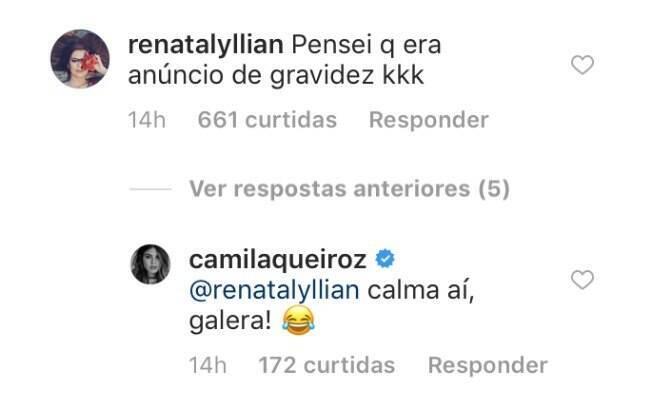 Camila Queiroz responde seguidora que achoou que batom fosse um teste de gravidez