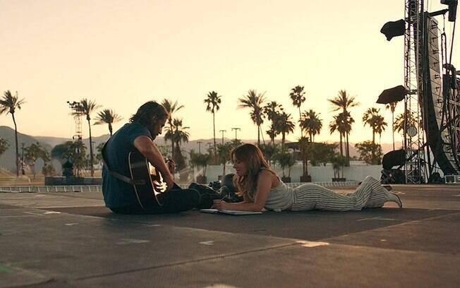 Bradley Cooper e Lady Gaga em cena de