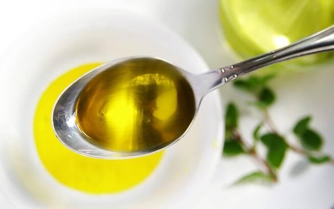 Azeite de oliva é uma das gorduras bem-vindas na alimentação