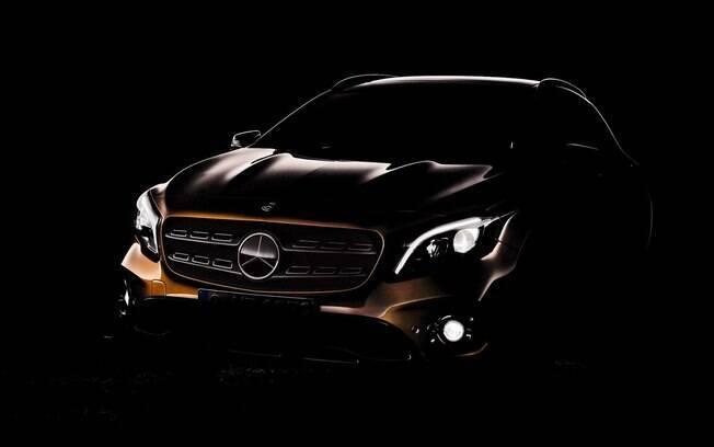 Mercedes-Benz GLA que estará no Salão de Detroit terá uma série de novos detalhes para ganhar apelo  diante dos rivais