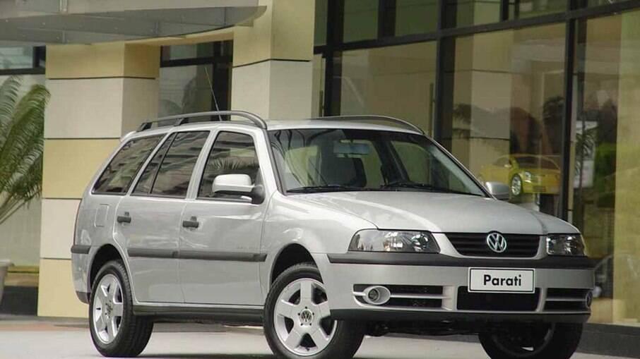 VW Parati teve versão Track & Field, com certo apelo esportivo, com faróis de lentes escurecidas e rodas de liga-leve