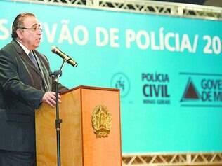 Pró-Aécio, o governador de Minas Gerais, Alberto Pinto Coelho, é do PP, que apoia Dilma nacionalmente