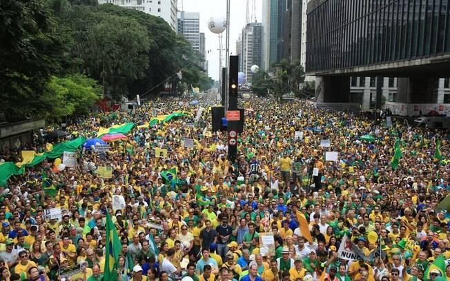 O sentimento de insatisfação leva muitos brasileiros às ruas para reivindicar seus direitos