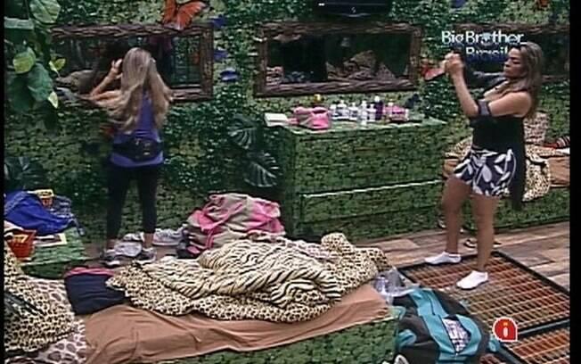 Monique fala de Jonas para Renata e Ronaldo