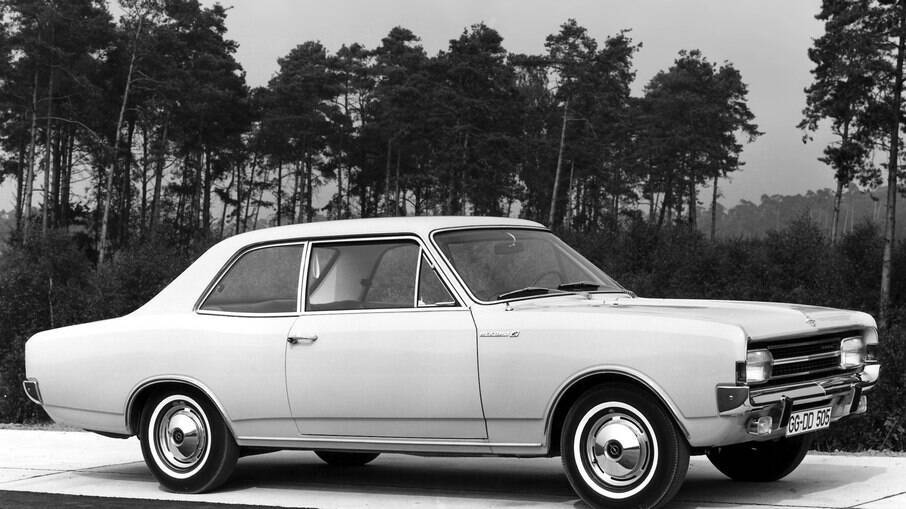 Opel Rekord Sedan 2 portas: sabiamente, a GM resolveu trazer o Opala cupê ao Brasil, com desenho mais harmônico