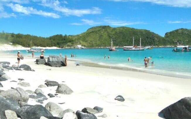 A praia do farol é considerada um pedaço do Caribe no Brasil
