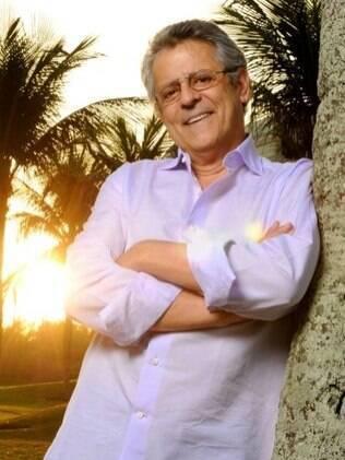 Marcos Paulo: já caminha sem os drenos