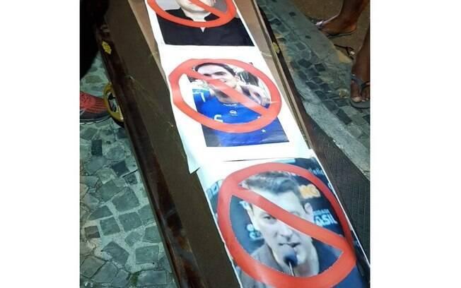 Torcida do Atlético-MG protesta contra time