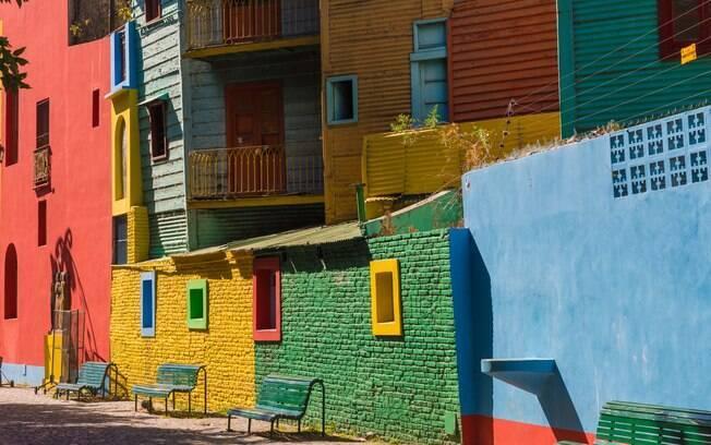 As ruas de pedra do Caminito são repletas de casas fofas e coloridas, outro grande ponto turístico