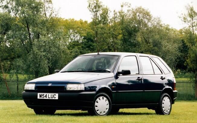 Fiat Tipo com caixa CVT também não veio ao Brasil, onde foi vendido apenas com câmbio manual