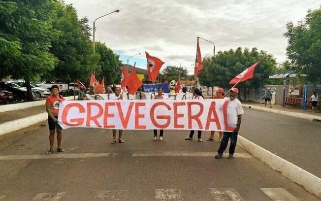 Greve geral ocorrida nesta sexta-feira não teve a adesão esperada por centrais sindicais e movimentos sociais
