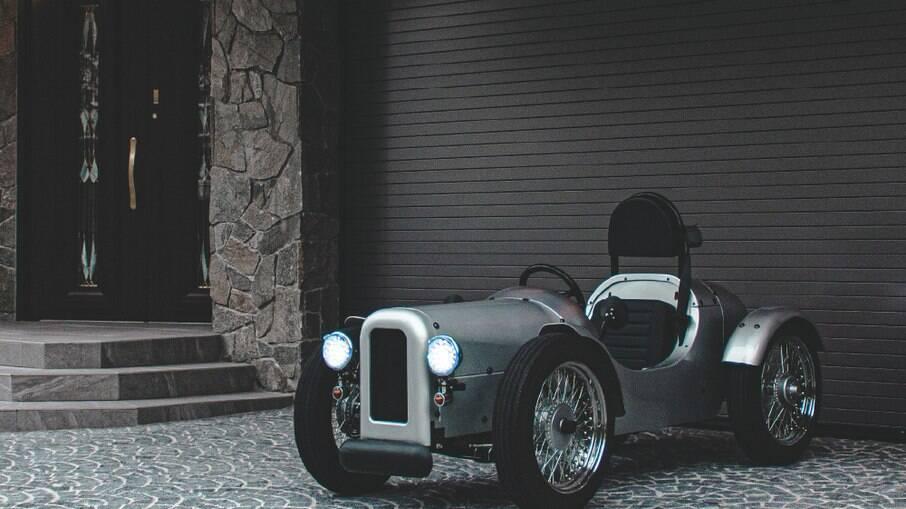 Blaze EV Classic usa um motor elétrico de 4 cv e pode atingir os 50 km/h, de acordo com a fabricante, que também faz patinetes