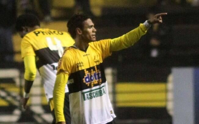Fabinho, destaque do Criciúma, faz parte do  Bom Senso FC